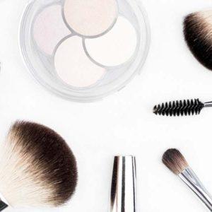 curso-de-los-cosmeticos-y-equipos-para-los-cuidados-esteticos-de-higiene-depilacion-y-maquillaje-online