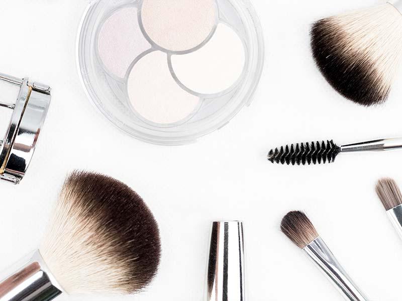 Curso de los cosméticos y equipos para los cuidados estéticos de higiene, depilación y maquillaje Online